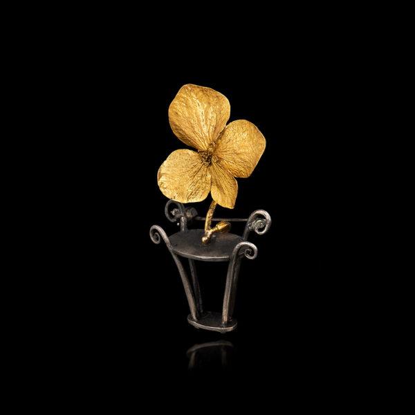 Χειροποίητη καρφίτσα σε χρυσό και ασήμι